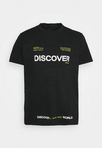 URBN SAINT - SONAR TEE - Print T-shirt - black - 0