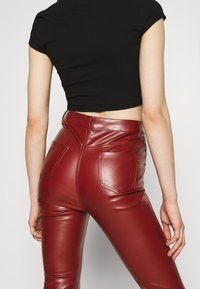 Missguided - TROUSER - Trousers - wine - 3