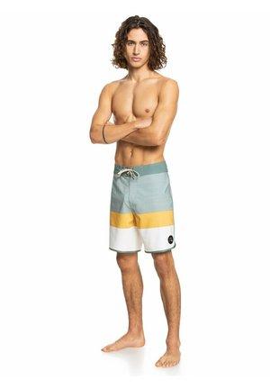 "SURFSILK TIJUANA 18"" - Shorts - antique white"