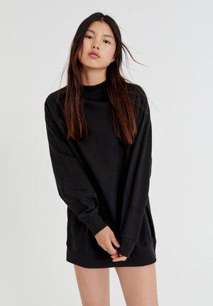 MIT LANGEN  - Robe pull - black