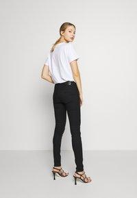 Emporio Armani - 5 POCKETS PANT - Jeans Skinny Fit - black - 2