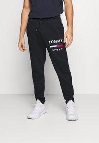 Tommy Hilfiger - GRAPHIC PANT CUFFED - Pantalon de survêtement - blue - 0
