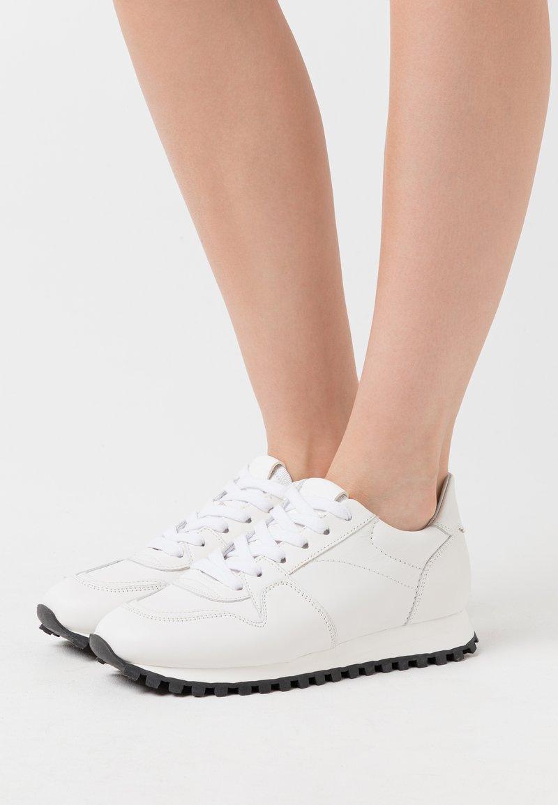 CLOSED - PEPPER - Zapatillas - white