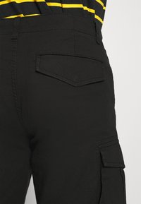 Only & Sons - ONSMIKE LIFE CARGO - Shorts - black - 5