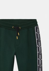 Automobili Lamborghini Kidswear - SHIELD TAPE  - Tracksuit bottoms - green hydra - 2