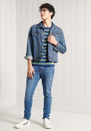 COLLEGIATE APPLIQUE - Print T-shirt - neptune blue stripe