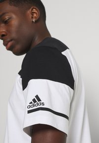 adidas Performance - ZNE TEE - Print T-shirt - white/black - 4