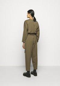 3.1 Phillip Lim - 3/4 BELTED JUMPSUIT - Jumpsuit - fir green - 3