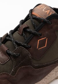 Replay - SANDOVAL - Trainers - green/dark brown - 5
