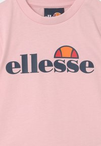 Ellesse - LEOPOLDI SET UNISEX - Shorts - light pink - 3