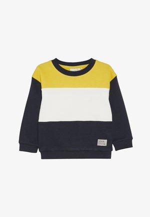 NKMVANCE  - Sweatshirt - freesia