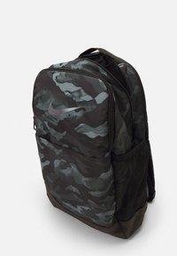 Nike Performance - UNISEX - Rucksack - smoke grey/black/cool grey - 3