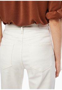 s.Oliver - Straight leg jeans - beige - 4