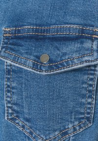ONLY Tall - ONLCOLUMBIA LIFE DRESS - Denim dress - medium blue denim - 2
