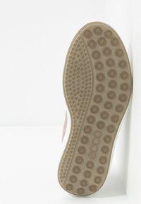 ECCO - SOFT 7 RUNNER - Sneakersy niskie - beige - 6