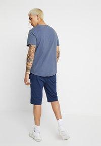 Nike Sportswear - CLUB - Pantalon de survêtement - midnight navy/white - 2
