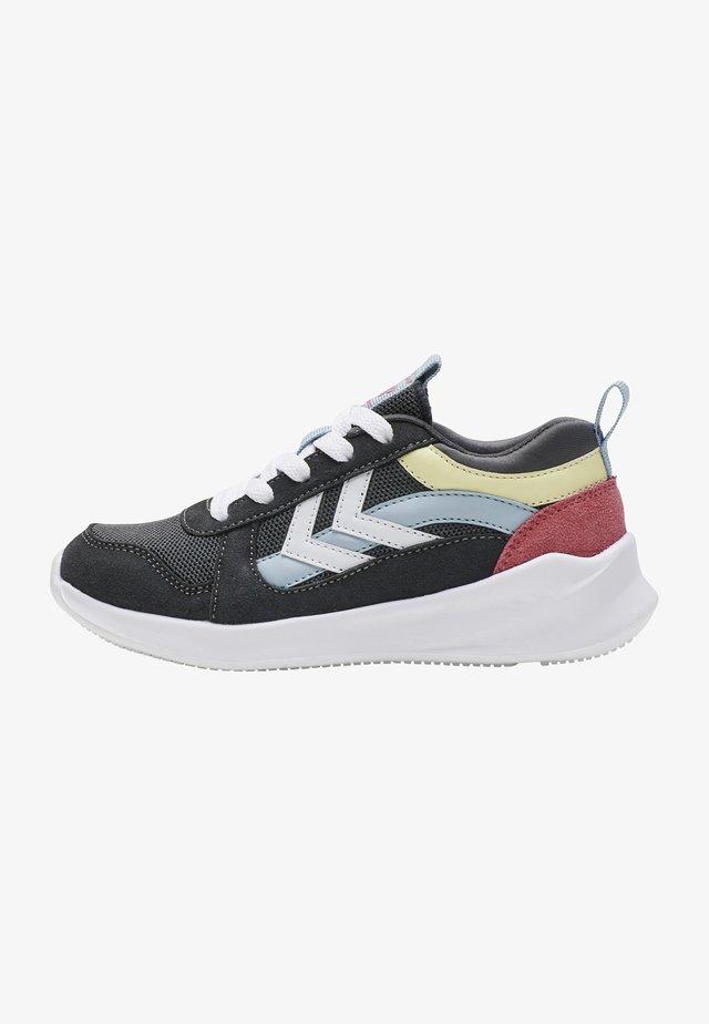 Sneaker low - asphalt