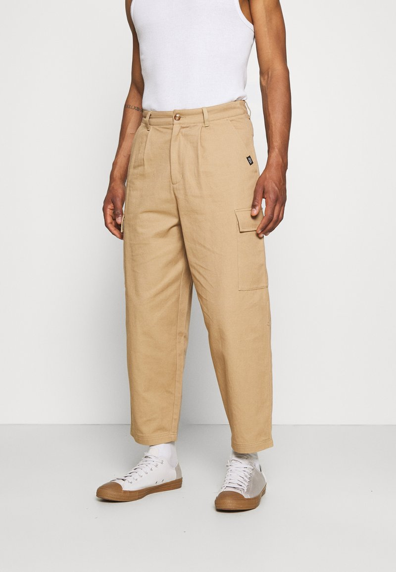 Vintage Supply - BAGGY CARPENTER TROUSERS - Trousers - sand