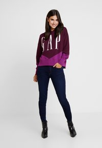 GAP - SPLICE - Hoodie - secret plum - 1