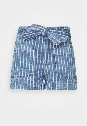 PAPER BAG TIE WAIST - Shorts vaqueros - medium wash