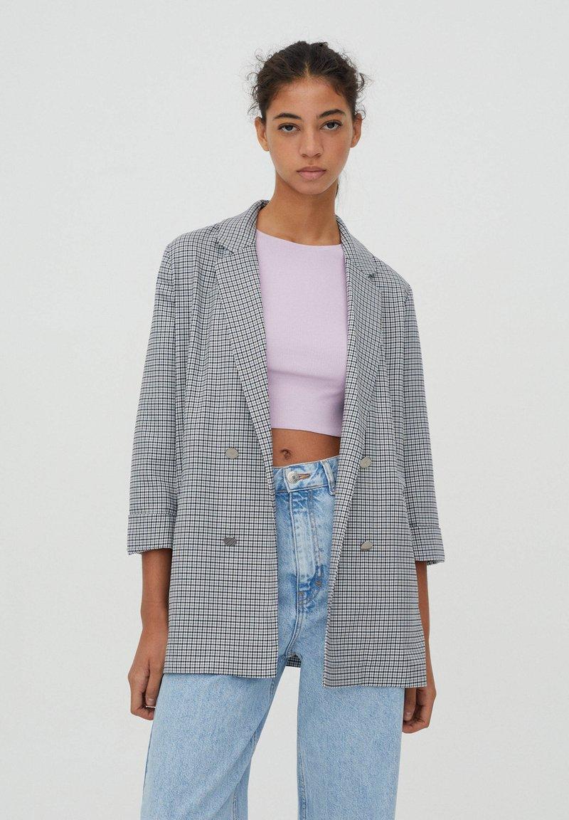 PULL&BEAR - MIT UMGESCHLAGENEN ÄRMELN - Short coat - grey