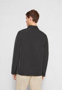 GARMENT PROJECT - COACH - Lehká bunda - black - 2
