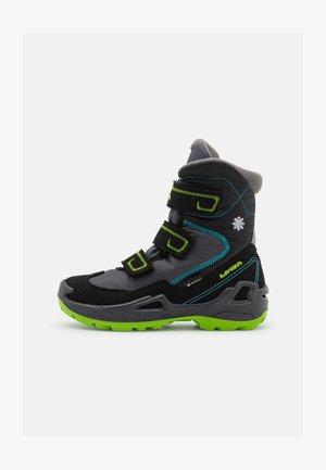 MILO GTX UNISEX - Winter boots - schwarz/türkis