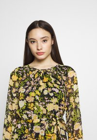 Wallis Petite - GARDEN FLORAL FRILL FIT AND FLARE DRESS - Day dress - black - 3