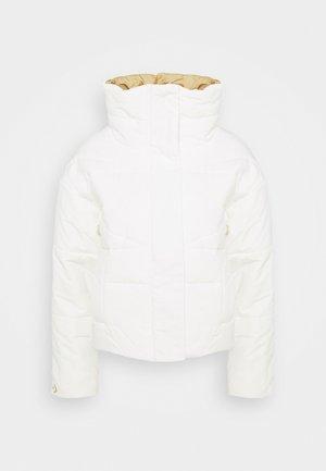 FUNNEL NECK PUFFER JACKET - Chaqueta de invierno - vintage white
