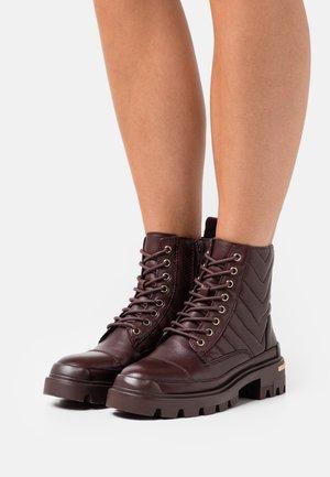 QUILT - Veterboots - dark brown