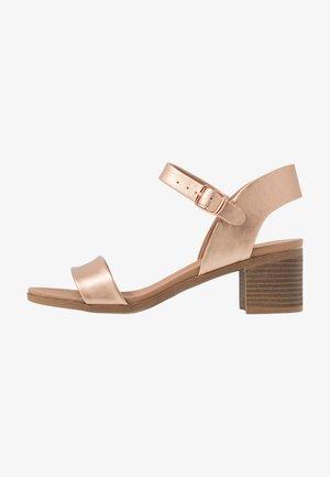 PLATYPUS BLOC HEEL  - Sandals - rose gold