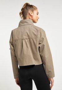 myMo - CROPPED  - Light jacket - schlamm - 2