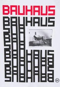 Neil Barrett - BAUHAUS TANK - Top - white/black/red - 2