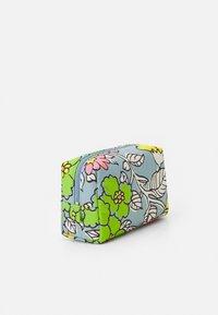 Tory Burch - PIPER PRINTED SMALL COSMETIC CASE - Kosmetická taška - blue - 2