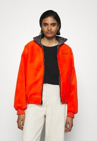 Carhartt WIP - KEYSTONE REVERSIBLE JACKET - Winter jacket - green/safety orange - 2