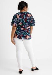Zizzi - AMY LONG - Jeans Skinny - bright white - 2