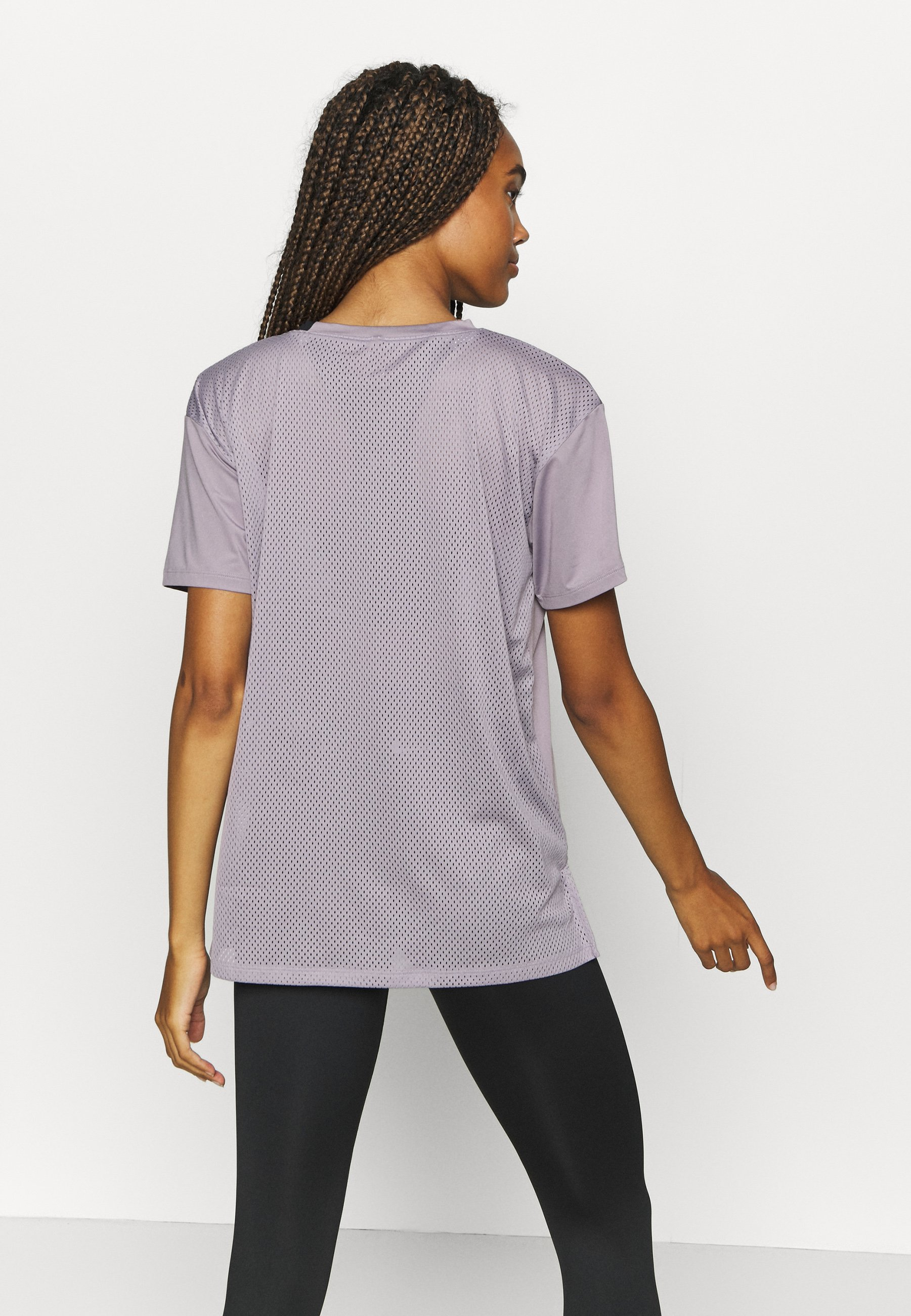 Under Armour SPORT GRAPHIC - Print T-shirt - slate purple PLYCF