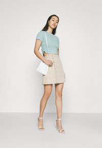 BDG Urban Outfitters - RUCHED CROP - Print T-shirt - blue - 1