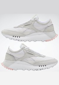 Reebok Classic - CLASSIC LEATHER LEGACY SHOES - Baskets basses - white - 10