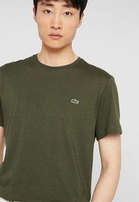 Lacoste - T-shirt basique - baobab - 3
