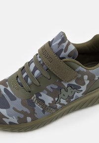 Kappa - UNISEX - Sports shoes - dark green/multicolor - 5
