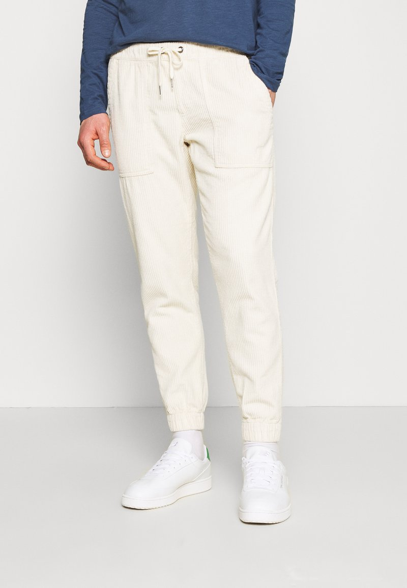 Redefined Rebel - JAZZ PANTS - Spodnie materiałowe - pristine