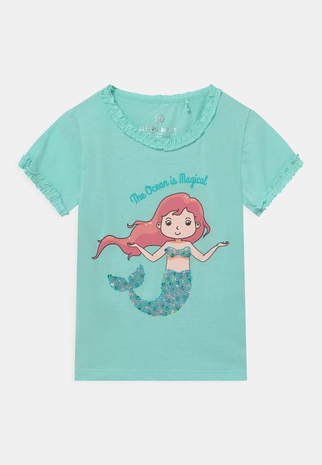 SMALL GIRLS - T-shirts med print - clearwater