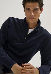 Massimo Dutti - Sweatshirt - dark blue - 4