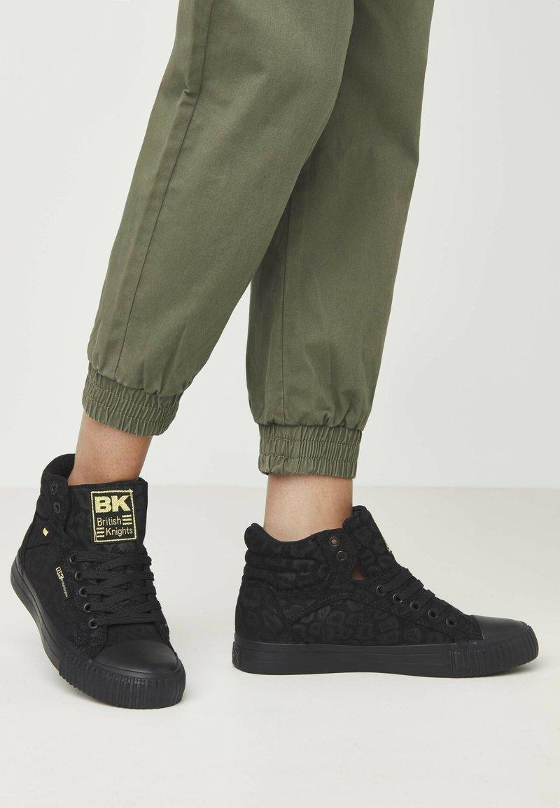 British Knights - DEE - Sneakers hoog - black leopard/gold/black