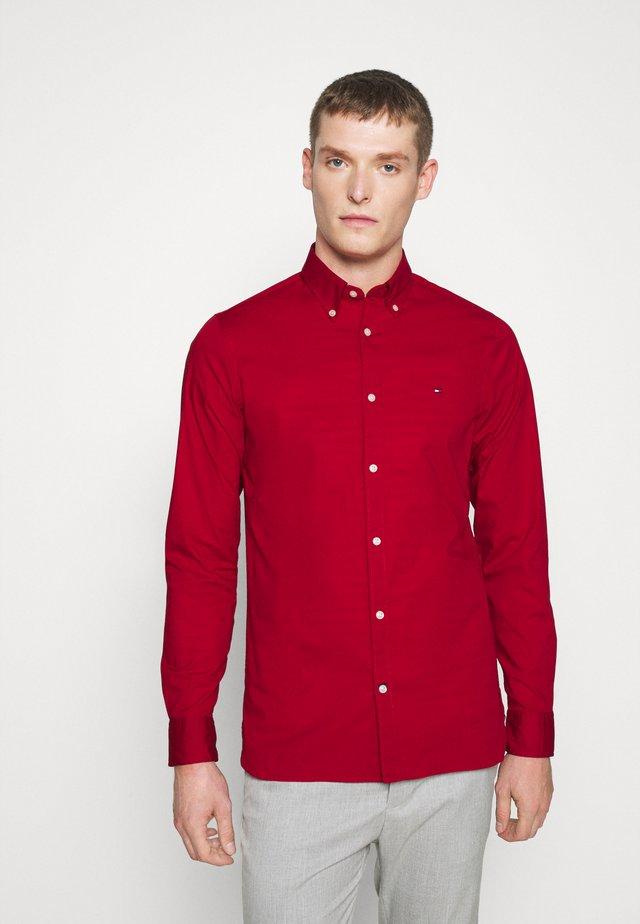 SLIM STRETCH - Shirt - red