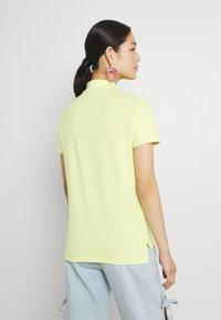 Lacoste - PF7839 - Poloshirt - lumineux - 2