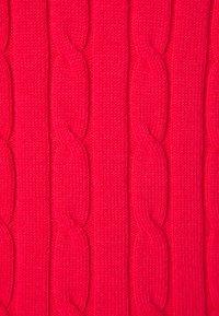 GANT - STRETCH CABLE VNECK - Svetr - watermelon red - 2