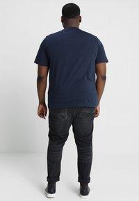 Jack & Jones - JJEPOCKET - Basic T-shirt - navy blazer - 2