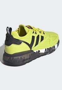 adidas Originals - ZX 2K BOOST UNISEX - Tenisky - acid yellow/core black/footwear white - 5